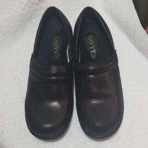 Savvy slip resistant nurse/work shoes 9.5
